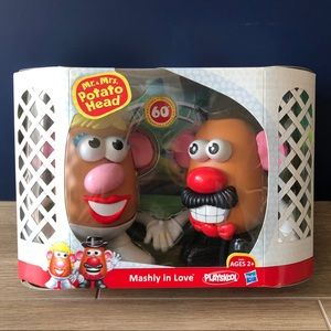 Hasbro Mr & Mrs Potato Head Mashly in Love (NIB)